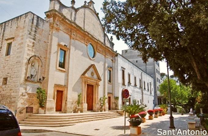 Facciata chiesa di Sant'Antonio da Padova